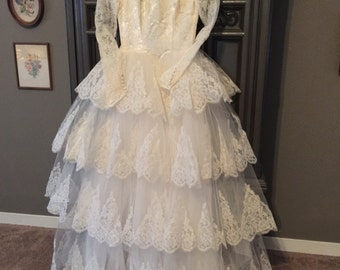 Vintage 50s Tiered Button Back Princess Wedding Dress