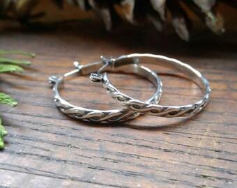 Sterling Silver Hoop Earrings with Hinged Earwire. Round Patterned Braided Detailed Hoops. Comfortable Everyday Silver Hoop Earrings.