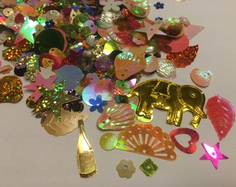 bag of all kinds of sequins / confetti, 6 - 25 mm (28)+