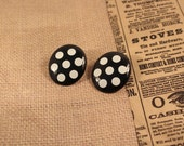 Avon Lots Of Dots Black and White Pierced Earrings - Vintage 1989