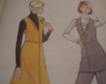 Vintage 1970's Vogue 8379 Jumper, Tunic and Pants Sewing Pattern, Size 10, Bust 32 1/2