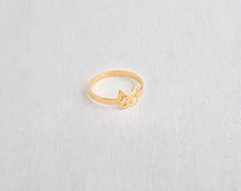 Cat ring, Cute cat face ring in gold or silver.