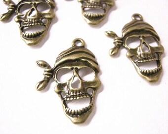 6pc antique bronze pirate skull pendant-5779