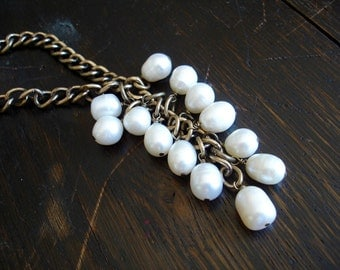 """Vintage Long Chunky Brass and White Pearl Tassel Necklace - 32""""  // Statement //  Jan Michaels - Style"""