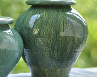 Cremation Urn, Green Leaves, Individual Size