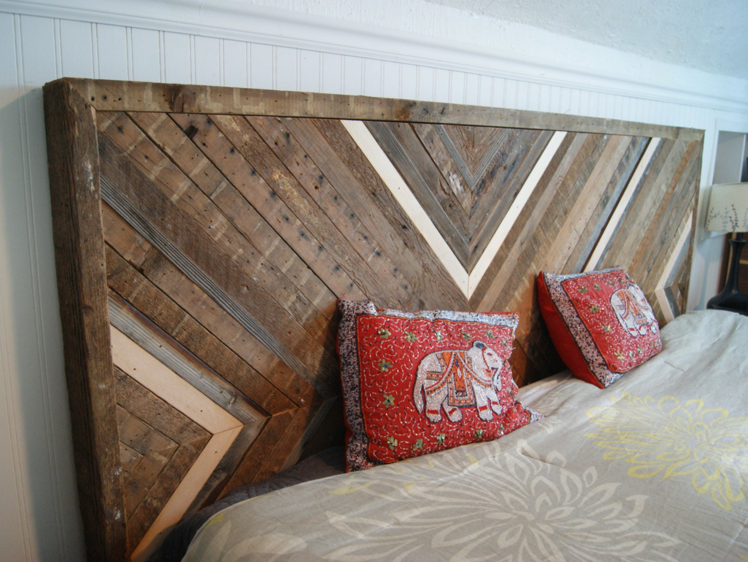 reclaimed wood headboard upcycled wood headboard queen. Black Bedroom Furniture Sets. Home Design Ideas