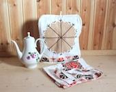 Vintage Apron and Coffee Pot Cozy Tea Pot Warmer Made in Estonia Kitchen and Dining Kitchen Decor Farmhouse Clothing Decor Linen Apron