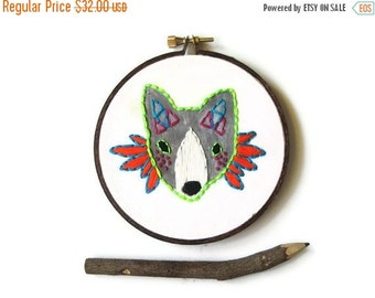 SHOP CLOSING SALE - On Sale! Fox Hand Embroidery Hoop Art : Princess Warrior Fox Embroidered Hoop (with MountRoyalMint) - Woodland Autumn Ho