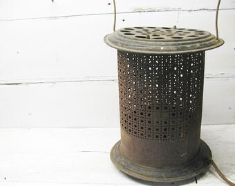 Vintage Space Heater Handy Heater Brand 600 watts Brooklyn Working Condition