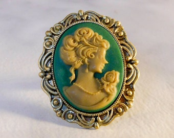Vintage Blue & White Large Cameo Ring   Size 7   Gold Toned Brass Ring