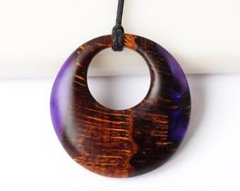 Wood necklace, Round necklace, Purple necklace, Purple jewelry, Wood pendant, Wooden necklace, Wooden pendant, Wooden jewelry