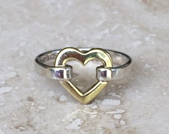 Beautiful TIFFANY & CO 18k (750) and 925 Open Heart Ring Weight is 2.5 grams and Size 4.5