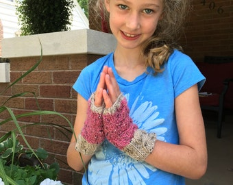 Girls Cable Knit Fingerless Mitts, Size 6 to 8