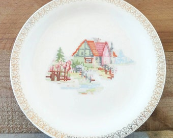 "Petit Point House Pantry Bak In Ware Crooksville Earthenware Plate Ivory Lunch Gold Trim 9 1/8"" Inch"