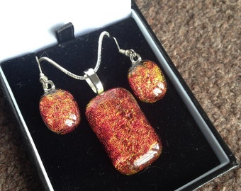 Dichroic fused glass Pendant and earring set