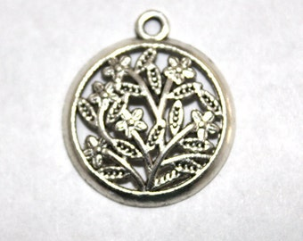 6 Antique Silver Filigree Floral Charms/Pendants