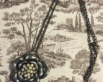 Silver Floral Pendant