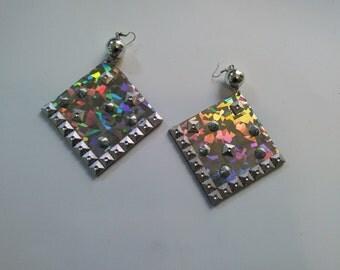 metal diva earrings
