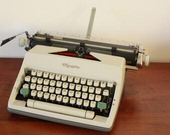 Wedding idea - Functional White Olympia Typewriter - A3 typewriter - Good condition vintage typewriter