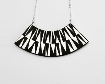ZIG ZAG Necklace Black