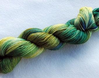 Merino Yarn handpainted Knitting Yarn, 100 % Wool  superwash 100g 3.5 oz.  Nr. 104