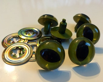 20mm Olive Green Cat Eyes 3 pairs