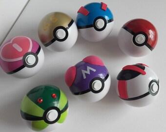 Pokémon pokéball prop for cosplay-several models!