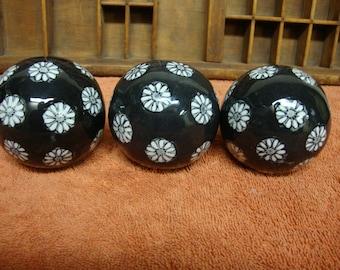 Porcelain Decorative Balls (3) Black White