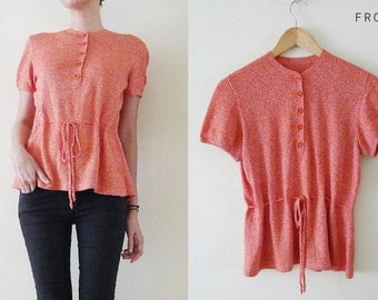 VTG 70s Coral and white knitted top, short sleeve blouse, bow tie at waist,peplum,unique,high fashion,office,minimalist, AUTUMN // Fall, M-L