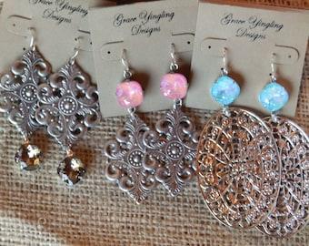 Filigree metal earrings with Swarovski crystal