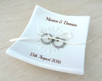 Personalised wedding ring dish. White porcelain ceramic ring pillow alternative. Wedding gift or engagement gift. Ring holder.