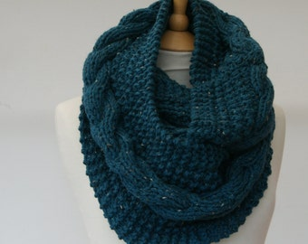 Chunky Knit Teal cable infinity scarf, Knitted Teal scarf, Chunky knit scarf, Knitted Teal snood Ready to ship