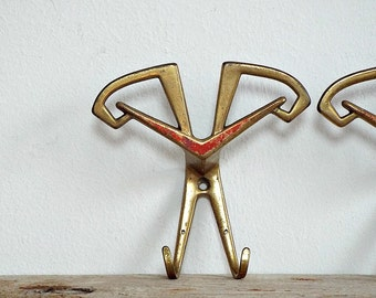 1 ART DECO coat HOOK - vintage towel hanger, unique towel rack supply, recycled hardware, wall decor, intrance hall, recycled supplies
