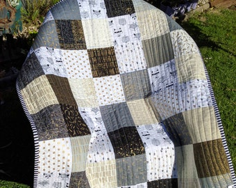 Modern Black and White with gold quilt  play mat, blanket  Crib Bedding, Nursery Baby Blanket, Gender neutral Ready to Ship custom quilted