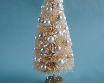 Vintage Style Bottle Brush Tree-Cream and Champagne