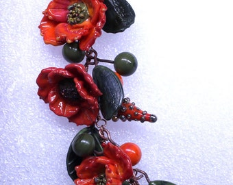 Red poppy with leaves pendand
