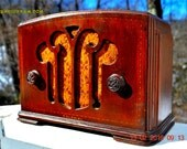 BLUETOOTH MP3 READY - Mini Tombstone Wood Art Nouveau Retro 1935 Colonial AM Tube Radio Totally Restored! Wow!