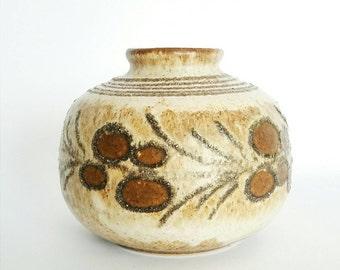 STREHLA VASE VINTAGE - brown vase earthtones midcentury floral flowerpattern strehla german pottery -             a true vintage girl find
