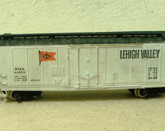 Vintage Bachmann Train freight car Lehigh Valley N scale gauge vintage Hong Kong