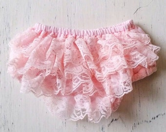 Pink  ruffle lace baby bloomer. Diaper cover, baby clothing, Newborn photo prop