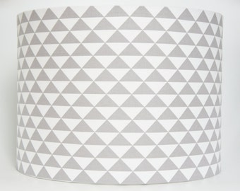 Lampshade Handmade in a grey and white triangle fabric 20 cm Drum lampshade