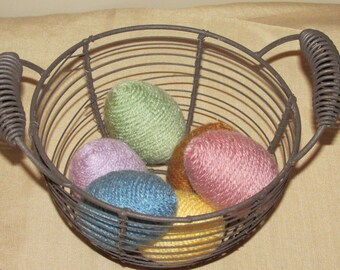 Yarn hand-wrapped eggs