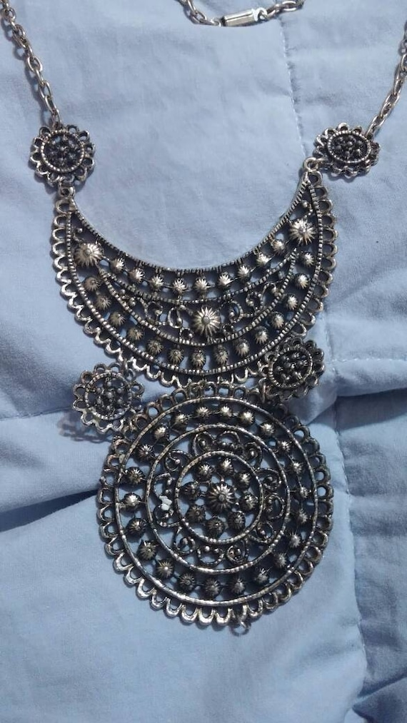 egyptian style silver toned necklace 20 inch large pendant