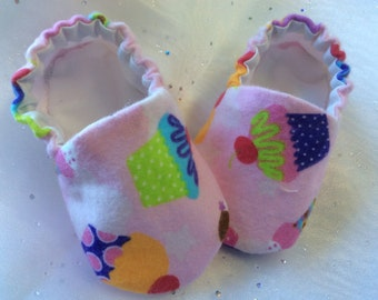 Pretty Pink Flannel Cupcake Print Baby Booties Crib Shoes