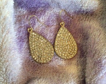 Dangle raindrop earrings 1-1/2 in