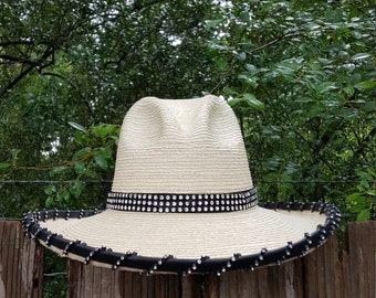 Cowgirl Bling Palm Hat with