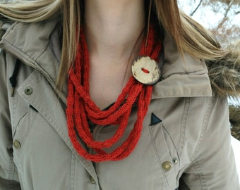 red knitted necklace, wool necklace