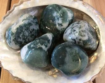 Green Agate Healing Stone, Healing Crystal, Chakra Stone, Spiritual Stone