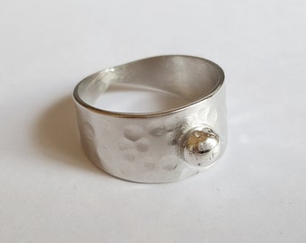 Hammered silver pearl ring