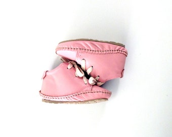 Baby and toddler shoes candy floss pink leather and rubber sole.This pair is EU size18 UK size2.5/3 USA size3